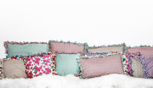tiliah-design-coussins-frilly-froufrous-original-coloré